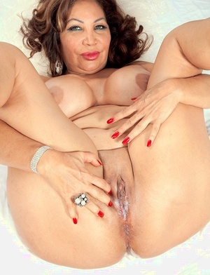 Latina Sandra Martines with appetizing shapes creampied after hot fucking