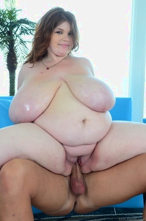 Young BBW Lexxxi Luxe shakes extremely huge tits and meets the man sausage