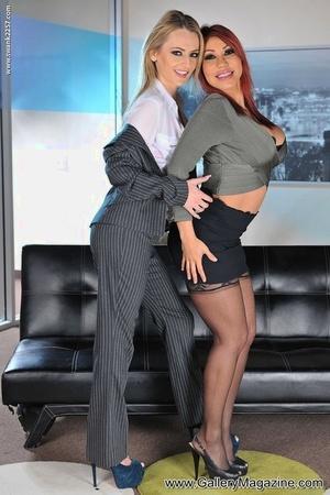 Best friends Ava Devine and Natasha Starr enjoy a threesome fuck