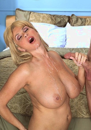 Big boobed pornstar Penny Porsche takes care of her man's cock with a blowjob