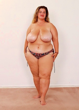 Older SSBBW Haley Jane masturbates after removing huge boobs from bikini top